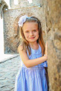 Снимка на дете в Стария град