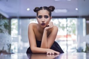 Професионална фотосесия момиче с плитки Пловдив