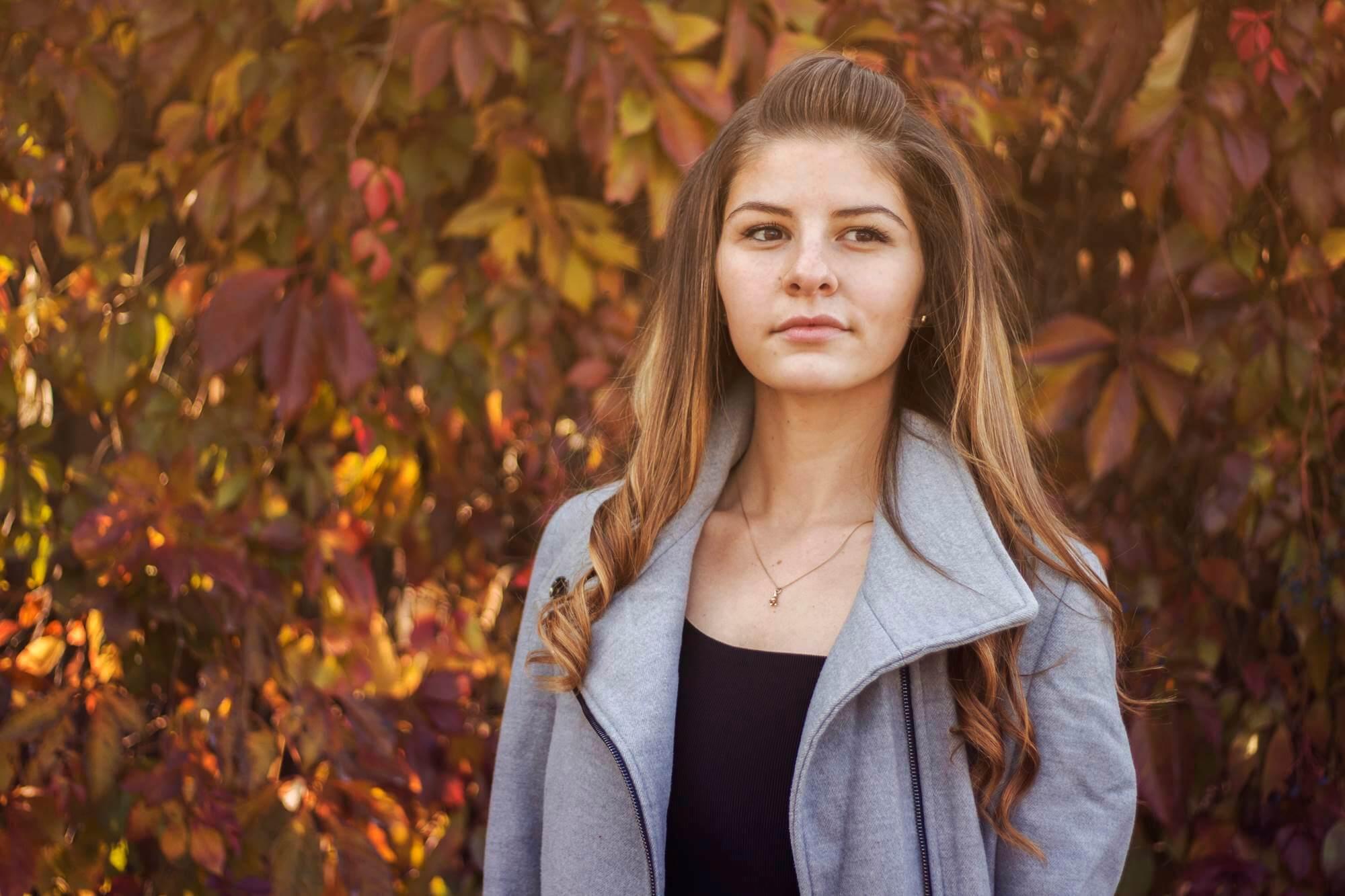 Портретна фотография на Ива след ретуш