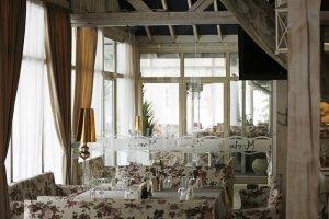 Интериорна фотография на ресторант в град Пловдив